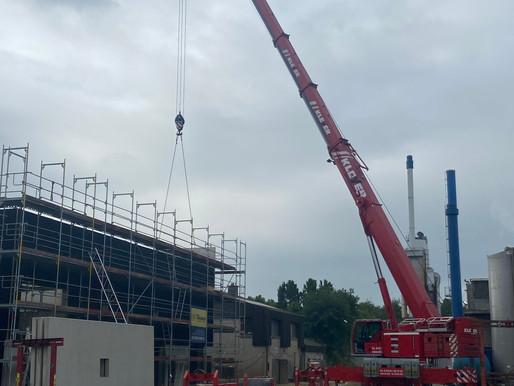 Krandienst Kranvermietung Kranverleih Kranarbeiten Baumfällungen Autokran und Arbeitsbühne mieten in