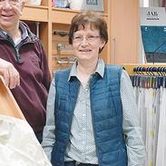 Visbek macht Raumausstattung  Zusammen mit seinem Team und Ehefrau Helga steht Dieter seinen Kunden seit mehr als 20 Jahren in Sachen Dekoration, Sonnen- und Insektenschutz sowie Gardinen und Teppichboden zur Seite.