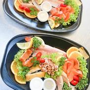 visbekmacht #visbekmacht leckere Fischplatten zu Ostern - @fischholzenkamp 🍴🐟🍇🥗 Ab sofort individuelle Fischplatten für die Ostertage bestellen und abholen🐣🐇 Die leckeren Fischplatten von Fischzucht Holzenkamp werden für euch so zusammengestellt, wie ihr es wünscht... Mit Räucherfisch wie Forelle, Lachs, Aal, Stremellachs, Butterfisch, Nordseekrabben, und, und, und! Dazu die passenden Salate und Dips - LECKER!😍🙌🏻 Einfach telefonisch bestellen unter 📞04445/7570 Ps.: Die leckeren Fischplatten können Karfreitag, Karsamstag, Ostersonntag, sowie Ostermontag abgeholt werden - Frischer geht's nicht😍🙏 #visbek #fischplatten #lecker #fischzucht #holzenkamp #fisch #siedenbögen #fischplatte #räucherlachs #lachs #forelle #krabben #ostern #karfreitag