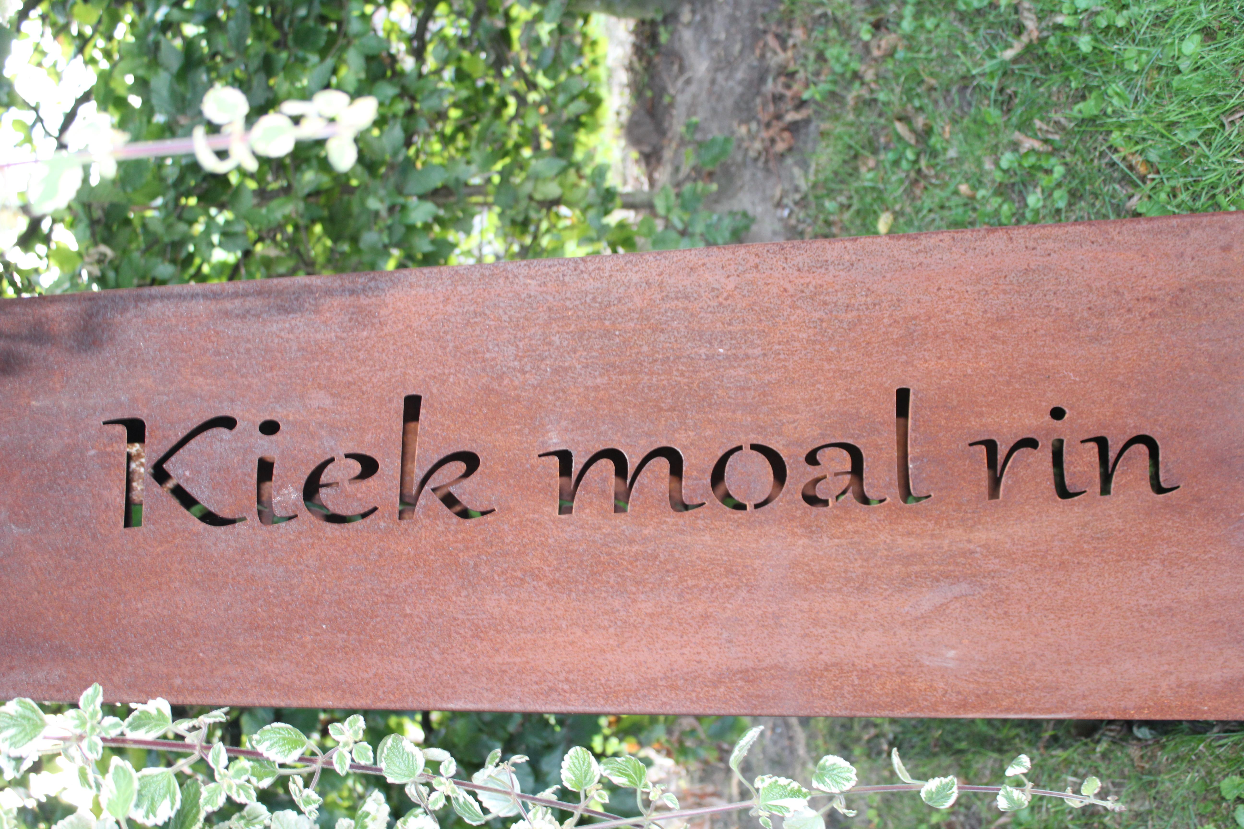 Säule Standart Kiek moal rin/ Moin