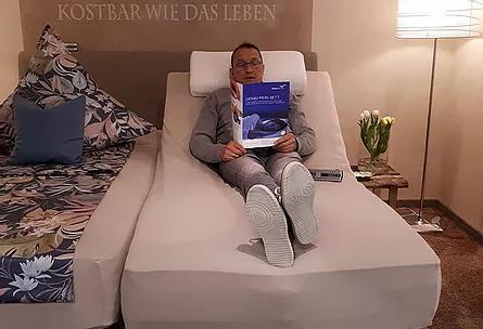 VISBEK macht einzigartige Betten - Der Bettenprofi Brümleve🛏  Der Schlaf eines Menschen ist so individuell wie seine Persönlichkeit😉☝️😴  Das Team vom Bettenprofi Brümleve ist gerne für euch da und berät euch, damit ihr das perfekte Bett finden💪🙌