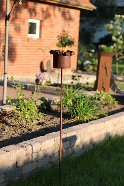 Gartenfackel Skulptur