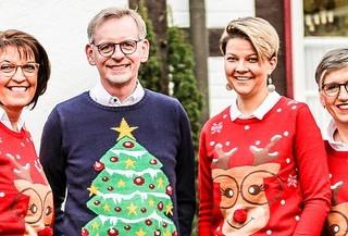 visbekmacht #visbekmacht stylische Weihnachten - Diekstall Optik - Uhren - Schmuck🎁💍 🎁Ihr benötigt noch tolle Geschenke für eure Liebsten?🎁 Schaut einfach bei Diekstall im Onlineshop vorbei: https://www.diekstall-visbek.de Des Weiteren bietet das Team von Diekstall einen Abhol- oder Bringservice an. Einfach informieren😍🎁🛍 Gerne auch über WhatsApp📲04445/302 Weihnachten kann kommen😍🎁🎄 Diekstall Optik👓 - Uhren⌚ - Schmuck💍 #diekstall #visbek #optik #uhren #schmuck #schmuckliebe #schmuckdesign #ringe #geschenkideen #jewlery #watch #trends #supportyourlocal