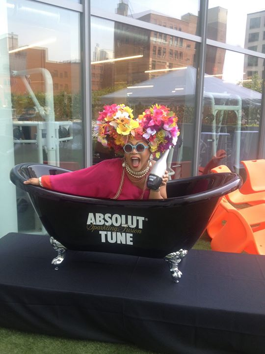 Introducing. Absolut Tune