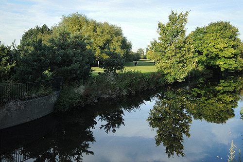 Perivale Park Golf Course Hole #6 Fairway view from River Brent