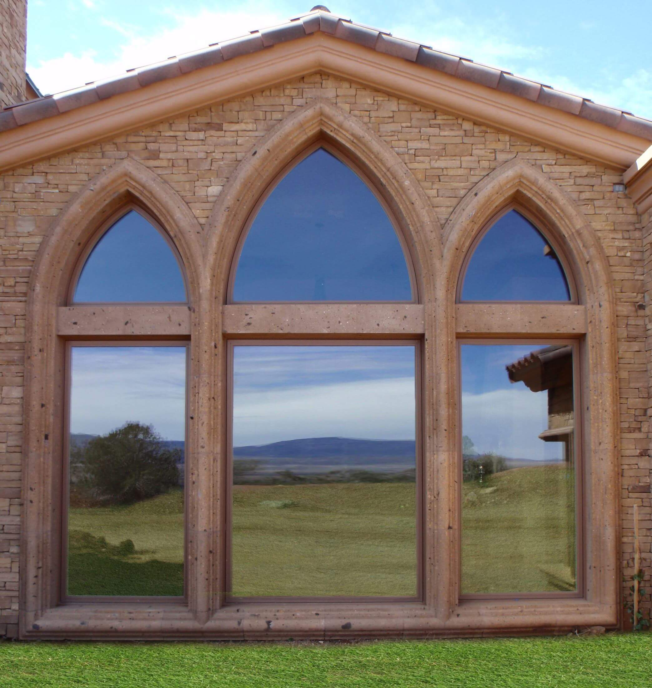 5-Gothic-Window-Surrounds-in-Tobacco-Cantera-Stone