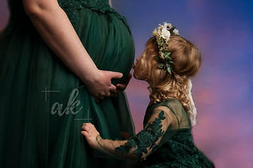 Ali Kerr Maternity Photography.png