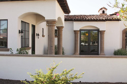 5-Tuscan-Capital-Columns-with-Smooth-Shafts-in-Tobacco-Cantera-Stone