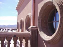 6-Round-Window-Surrounds-in-Tobacco-Cantera-Stone