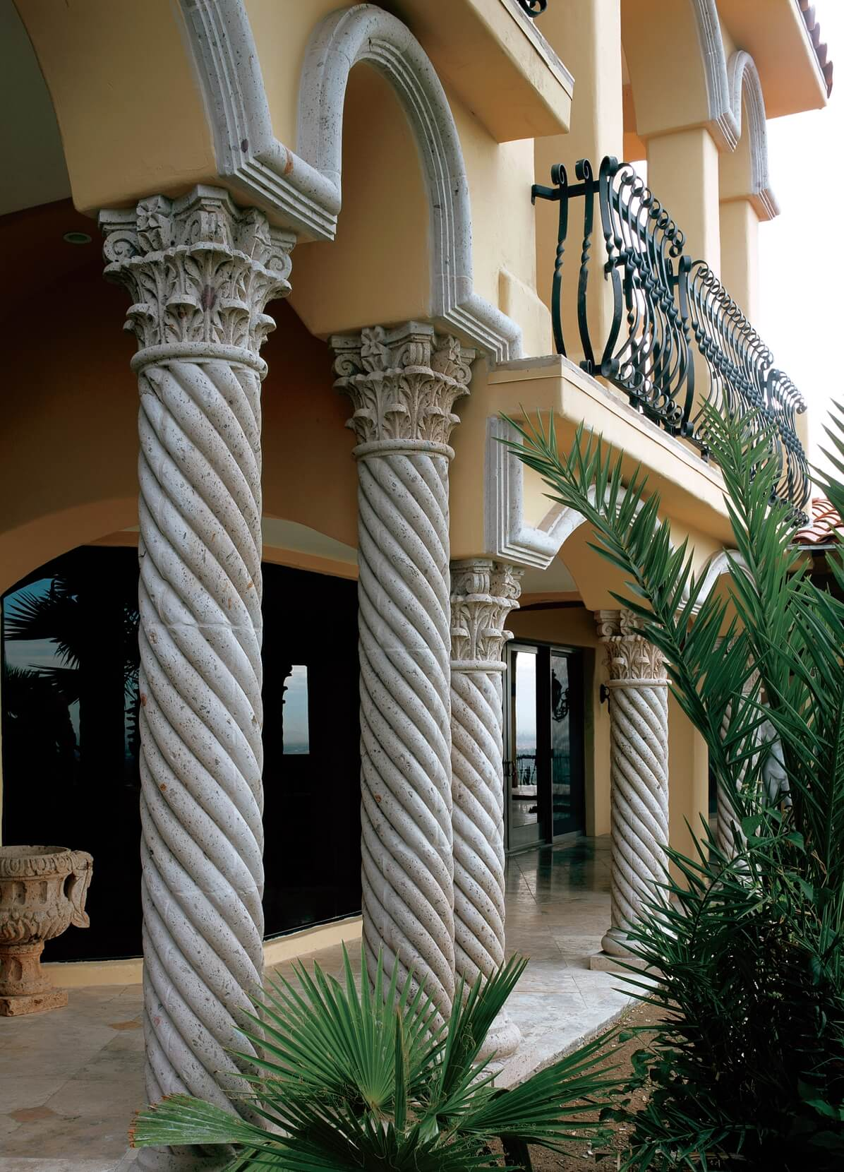 2-Corinthian-Capital-Columns-with-Twisted-Shafts-in-Pinon-Blanco-Cantera-Stone