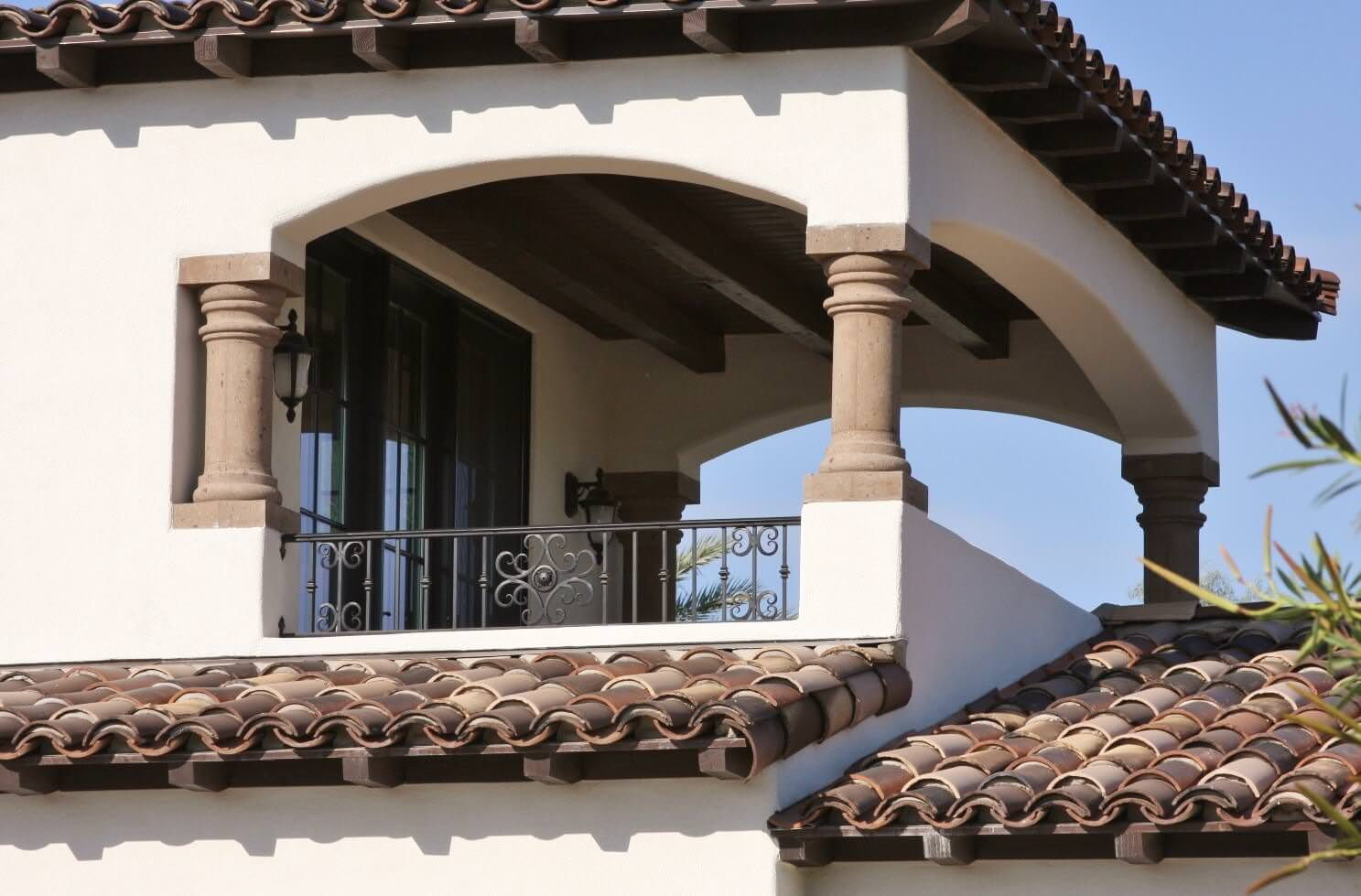 6-Tuscan-Capital-Columns-with-Smooth-Shafts-at-Upper-Level-Terrace-in-Tobacco-Cantera-Stone