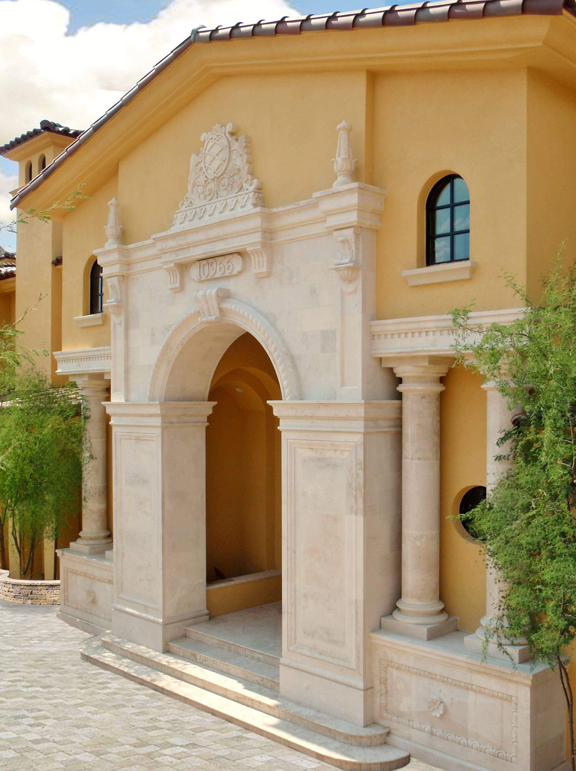 1-Classic-European-Arched-Entryway-Door-Surround-with-Doric-Columns-and-Crest-in-Riviera-Beige-Limes