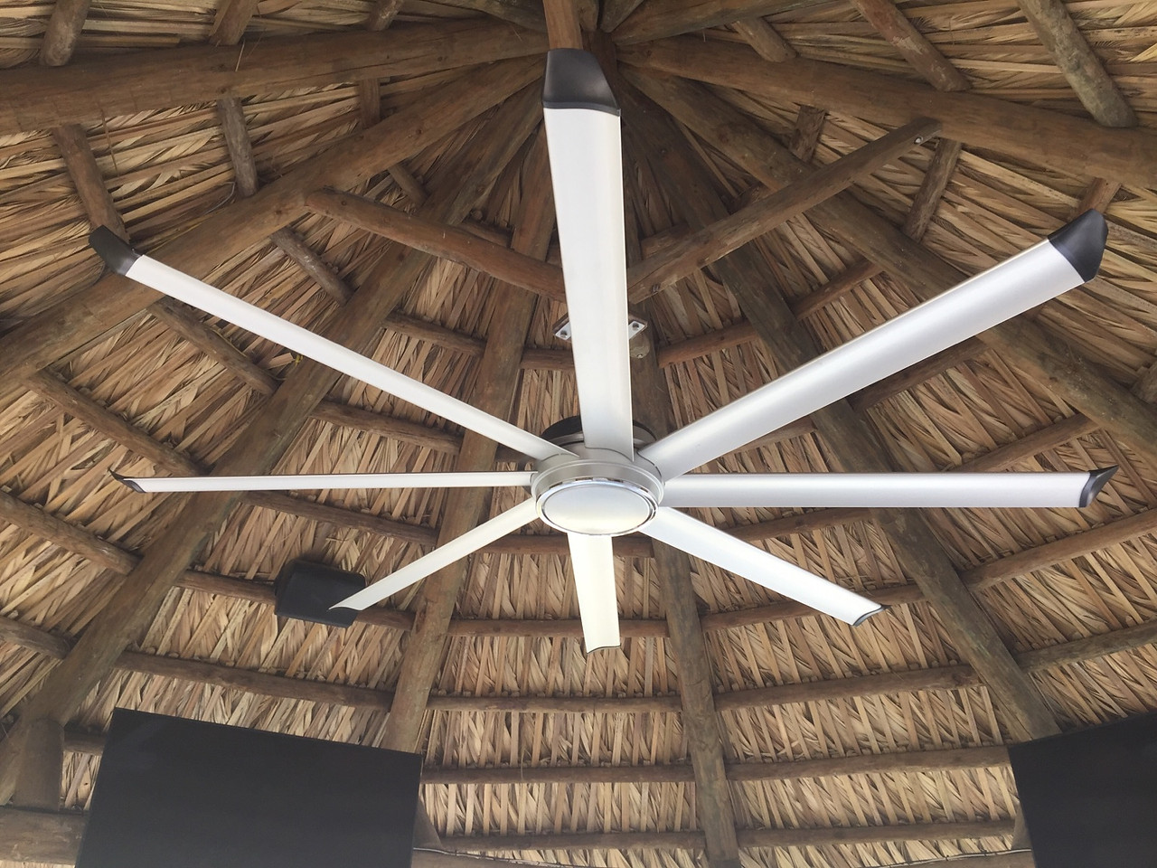 straw patio with surround sound and steel fan