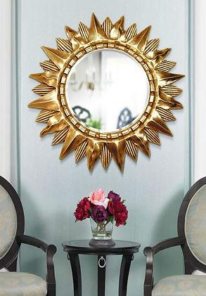 Использование такого элемента как зеркало-солнце несомненно привнесет в Ваш интерьер солнечный свет и стилевой акцент! Экспериментируйте!