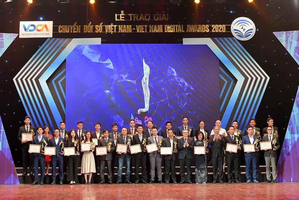 COO Nguyễn Hoàng Anh nhận Giải thưởng Chuyển đổi số 2020