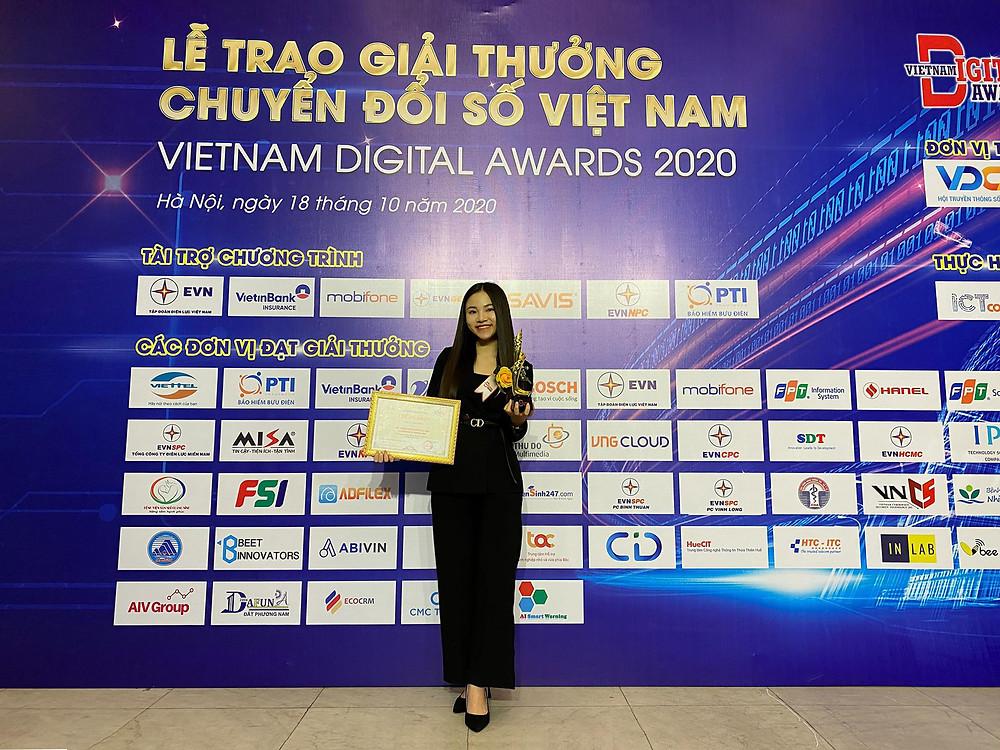 """Abivin nhận giải thưởng """"Sản phẩm, dịch vụ Chuyển đổi số xuất sắc"""" năm 2020"""