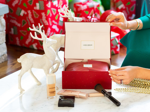 The Best Gifts This Holiday Season. For the The Makeup, Beauty & Skin Care Enthusiasts !