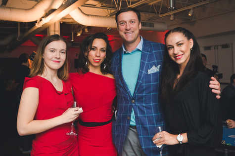 """Eric Kirby and the models at The Gabriela Dias Foundation """" Hope for Change"""" Poker Tournament 2018."""