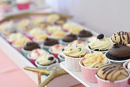 assorted-flavor-cupcakes-on-selective-fo