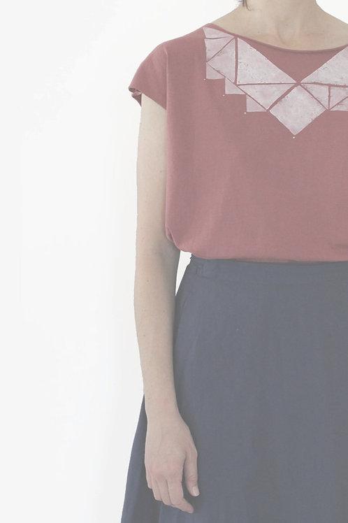 Red wine & White Triangles shirt