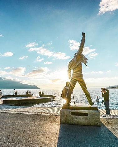 Freddie Mercury statue - Bnb belalp Mont