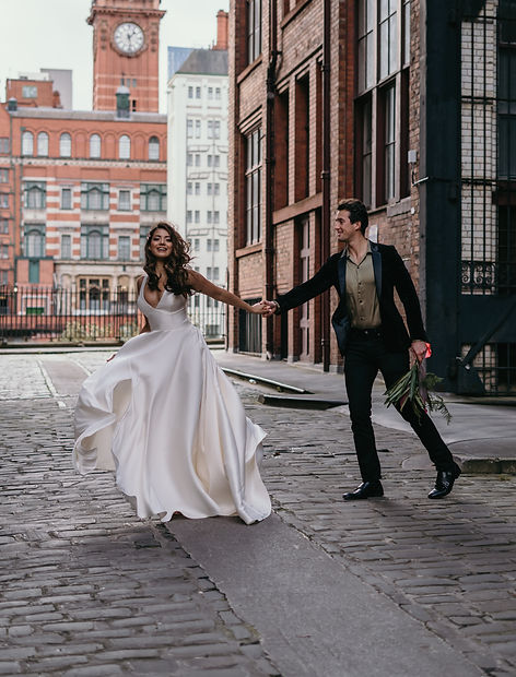 Bride & groom in Manchester elopement