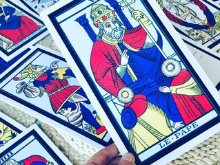 Quel support divinatoire choisir? Tarot ou Oracle?