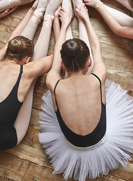 Ballerinas%20Stretching_edited.png