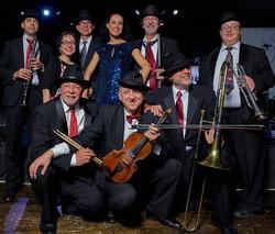 Full Band with Etel_Peter Koutun, photo