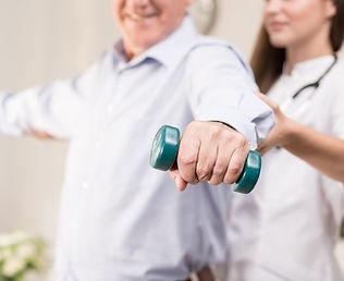 fisio-en-ancianos2.jpg