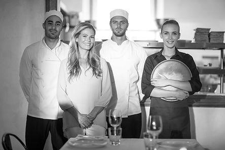 Osoby zatrudnione w kuchni