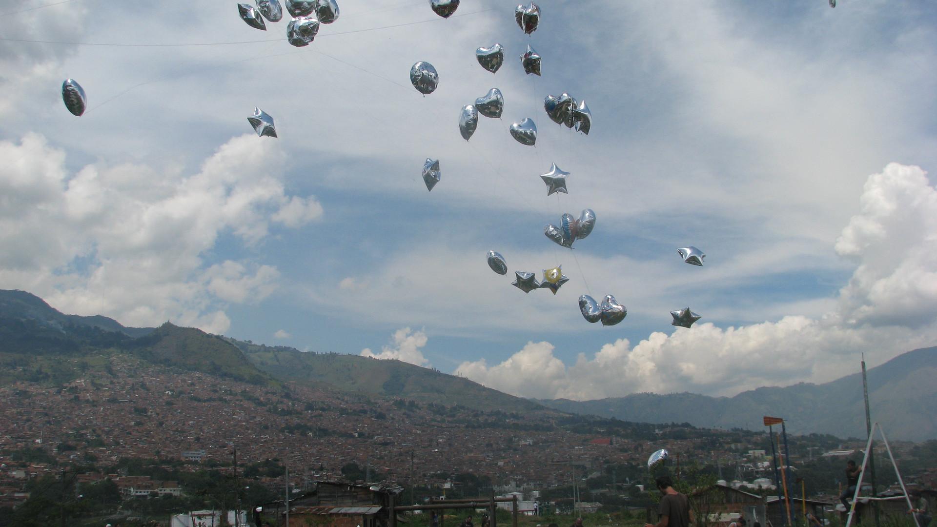 ¡Pongamos  el barrio a volar! Armin Mobasseri