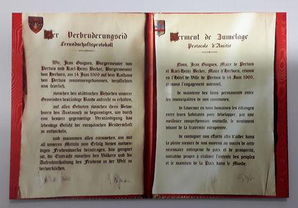 Le serment du jumelage Petuis herborn de 1969
