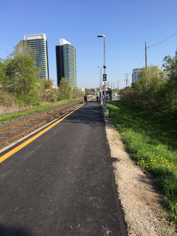 New pathway to platforms at Oriole GO Station with access to Esther Shiner Blvd.