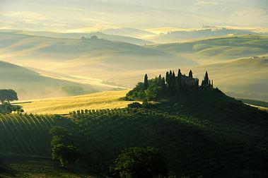 tuscany-wine-country-landscape.jpg