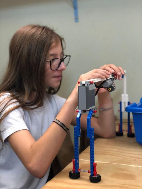 Aluna robótica Sítio Escola.jpg