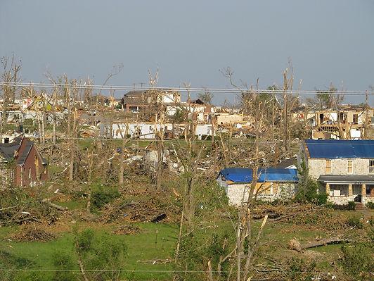 tornado-1650686_1280.jpg