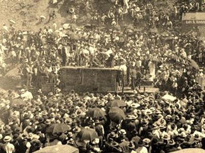 Bisbee, Arizona 1903  double jack drilling contest