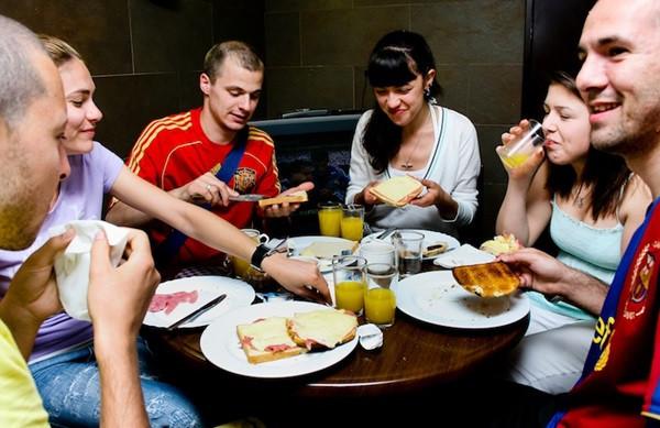 free-breakfast-at-ramblas-hotel.jpg