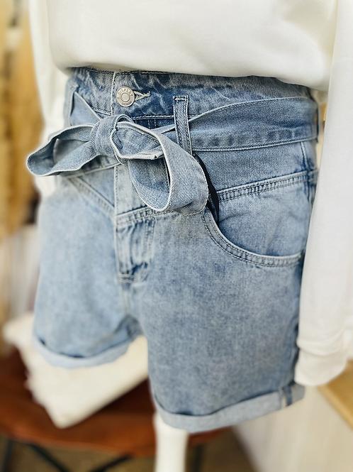 Short jean ceinturé