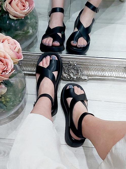 Black Cross Strap Toe Sandal