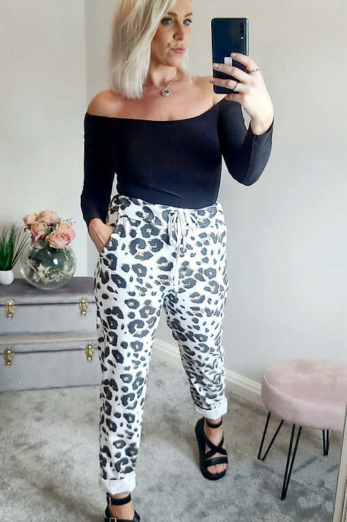 White Stretch Cropped Joggers in Leopard Print
