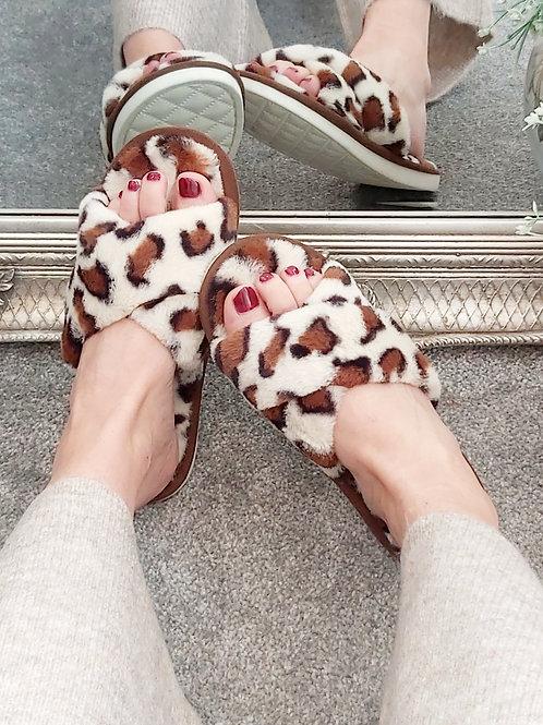 Leopard Faux Fur Slip On Slippers