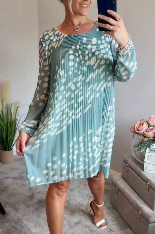 Long Sleeve Smudge Pleated Dress In Green