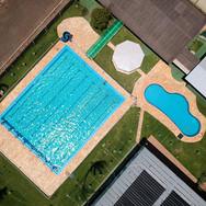 Foto de drone das piscinas