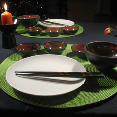 Black and red dishes