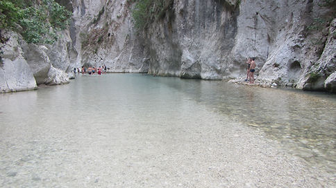 Archeron canyon, river, people