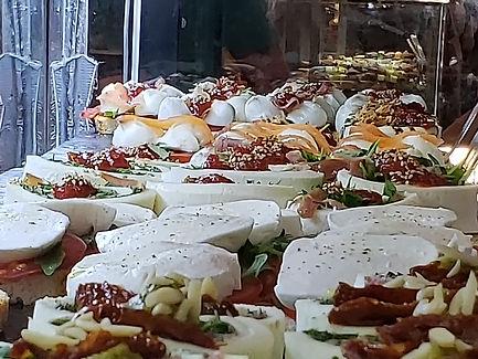 examples of mozzarella y burrata