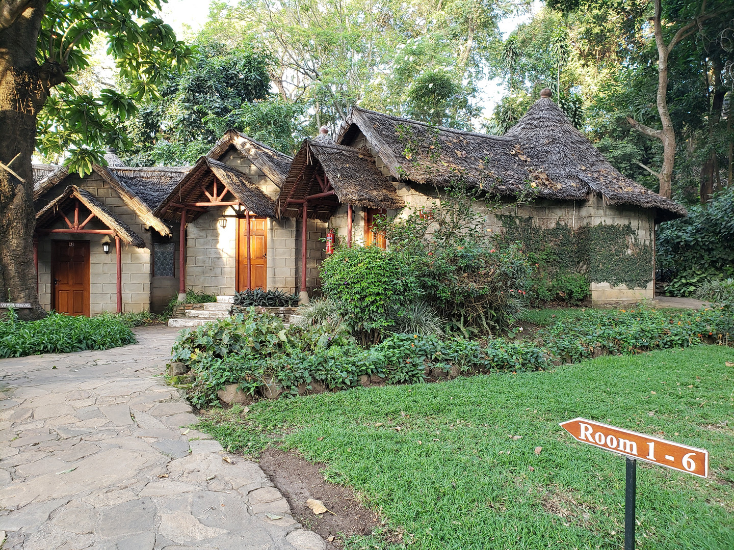 Cabins at Lake Duluti Serena