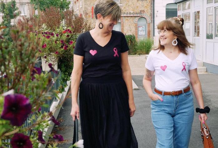 """T-shirt """"Boobs ❤🎗"""" Octobre Rose ( noir )"""